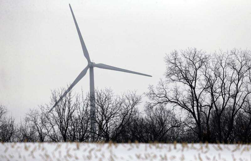 Iowa wind turbines equipped to handle extreme cold. Ice is another matter.
