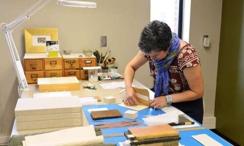 University of Iowa's Conservation Lab celebrates 30 years of saving…