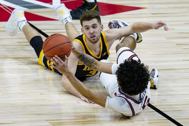 Jordan Bohannon says he'll return to Iowa men's basketball if state NIL bill passes