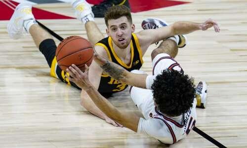 Jordan Bohannon says he'll return to Iowa men's basketball if…