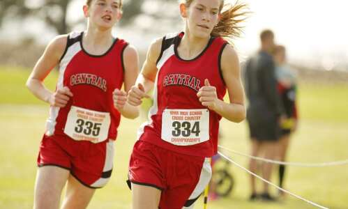 Reloaded Elkader Central repeats as girls' cross country state champions