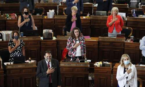 Bill would have Iowa join other states in requiring Pledge…