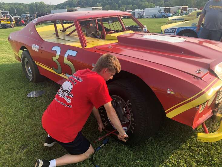 Sharing history with Iowa's Nostalgic Stock Car Racing Club