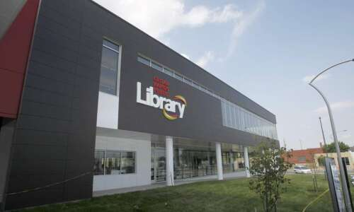 Cedar Rapids Public Library to close buildings, switch to curbside…