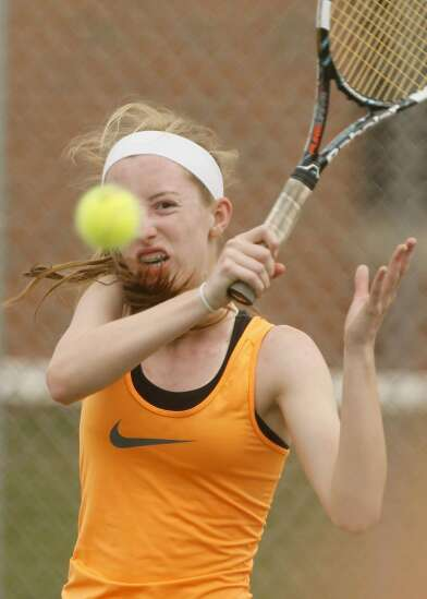 Prairie Hawks move up and on to state