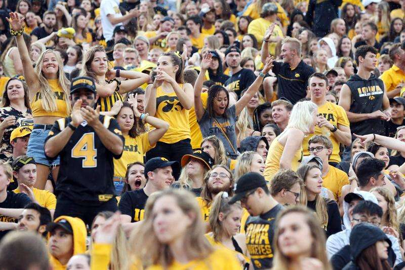 Iowa football game day info: Digital tickets, parking, cashless concessions and more