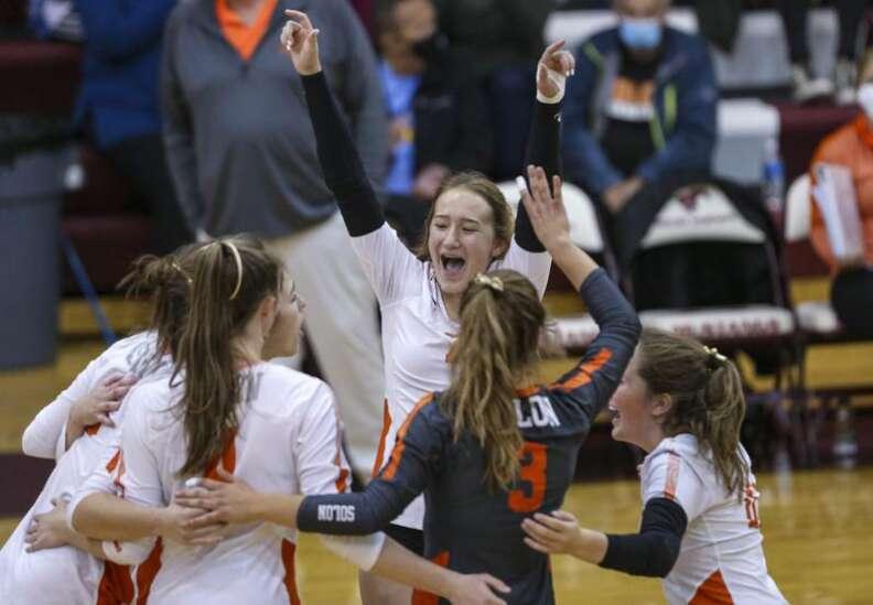 Photos: Solon vs. Mount Vernon, Iowa high school volleyball