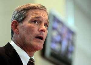 Bond runs deep for Iowa's Kirk Ferentz, Chiefs GM Scott Pioli