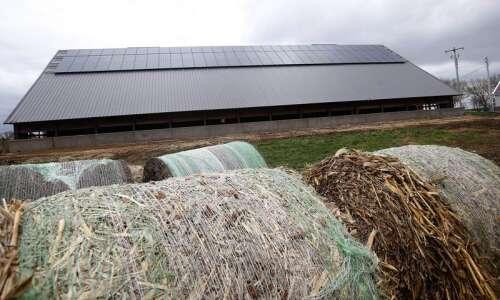 Legislators' proposed fee for new Iowa solar users faces uncertain…