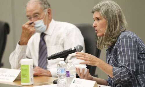 Sens. Joni Ernst, Chuck Grassley hear from hard-pressed nonprofits in…