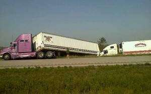 All lanes on I-380 reopened after two semis collide