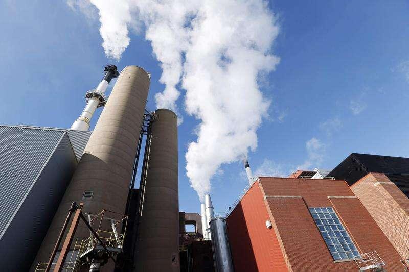 University of Iowa makes first distribution from blockbuster $1.165 billion utilities deal