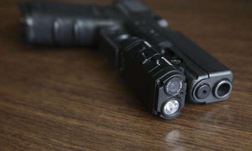 Iowa authorities split on letting public see police videos