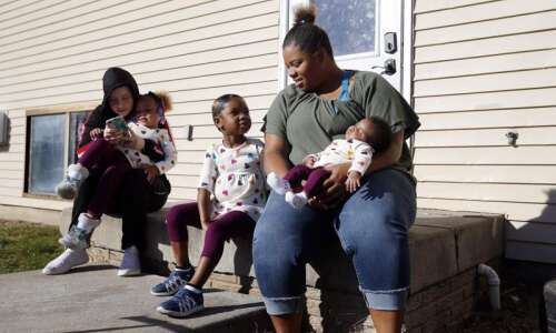 6 families with housing vouchers still await homes after being…