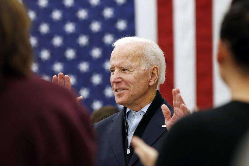 Photos: Joe Biden campaigns in Eastern Iowa