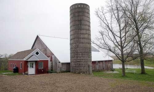 Dairy barn transforms into vacation rental Airbnb near Iowa City