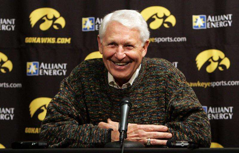Former Iowa men's basketball coach Lute Olson dies at 85
