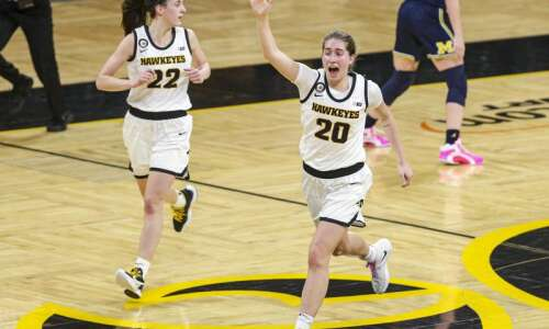 Iowa women's basketball endures delay, routs No. 12 Michigan, 89-67