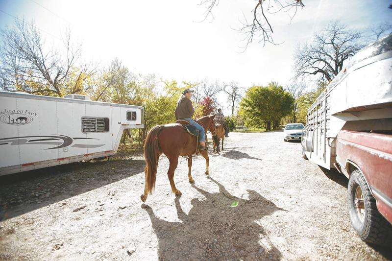 Equestrian camping, riding along the Des Moines River