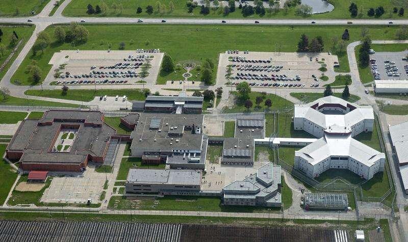 Coralville prison warden retires amid coronavirus investigation