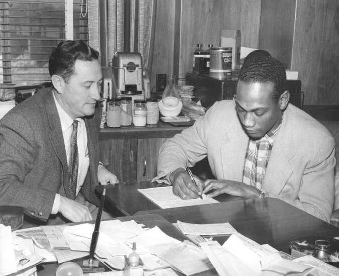 Time Machine: Baseball great Horace Garner found a home in Cedar Rapids