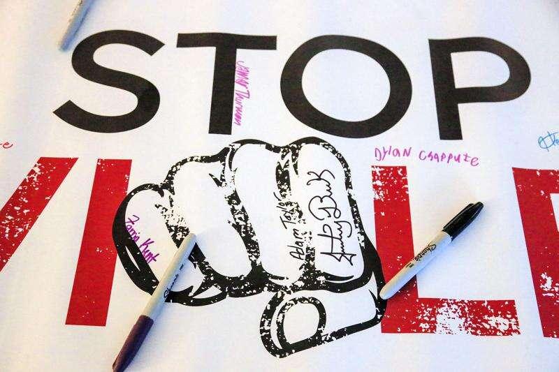 Cedar Rapids teens urge peers to 'stop the violence'