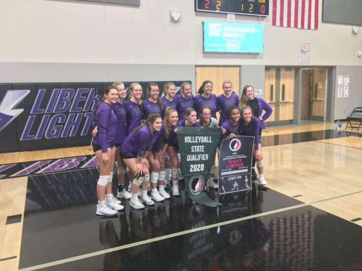 Iowa City Liberty sweeps Bettendorf to return to state volleyball