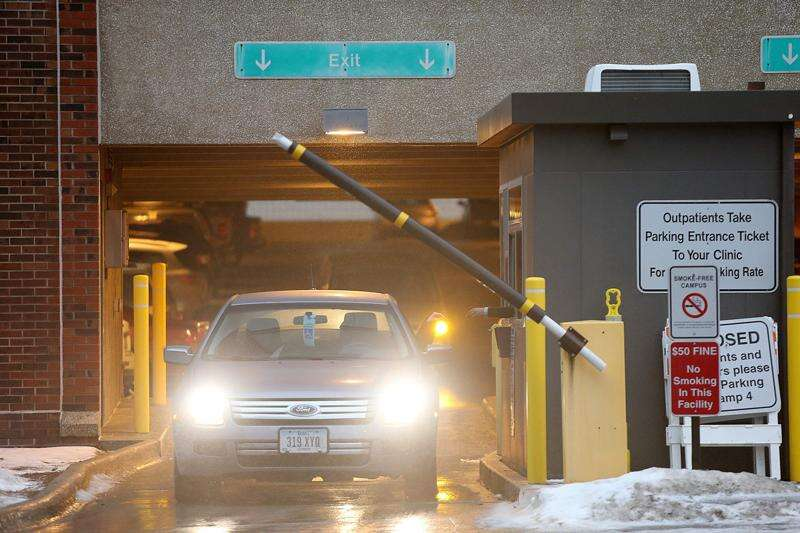 University of Iowa hospital to offer free patient parking