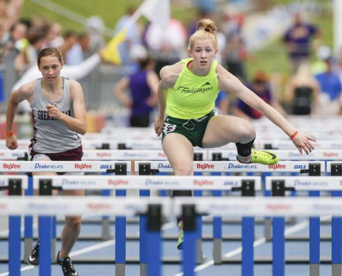 Iowa 2A girls' state track: Beckman's Heather Boeckenstedt overcomes doubts, Mid-Prairie repeats