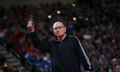 Dan Gable getting Presidential Medal of Freedom