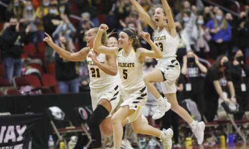 Maquoketa Valley reaches the 2A girls' state basketball championship game