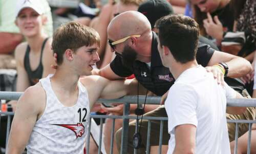 Iowa 4A boys' state track and field: Damon Jaeger takes…