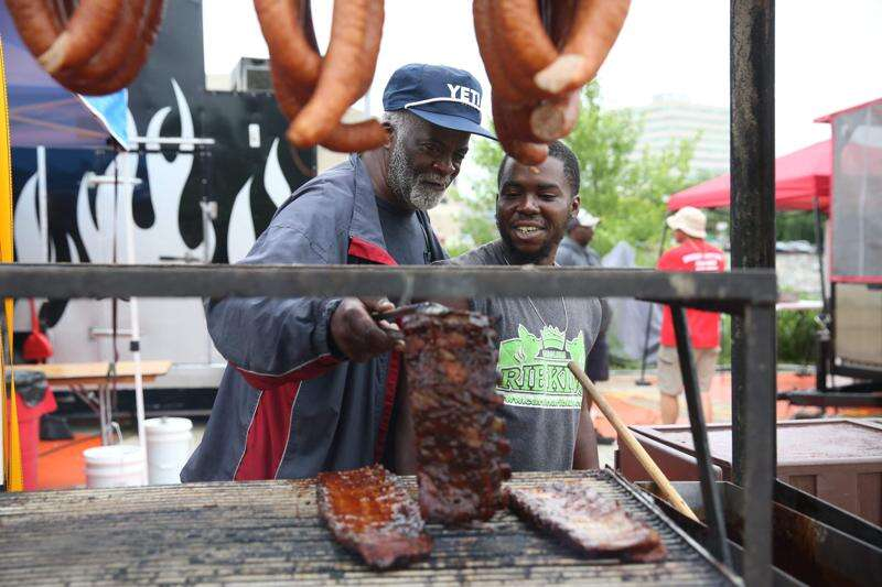 The Roundup in Cedar Rapids blends barbecue, '80s nostalgia and classic rock