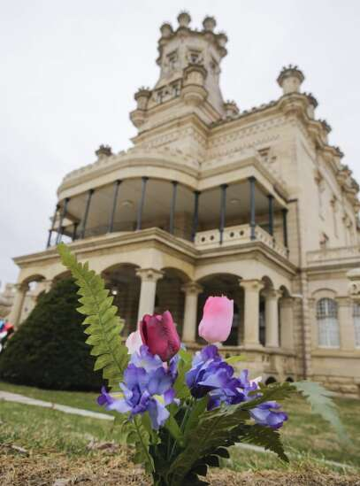 Anamosa prison murder victims were from Linn County