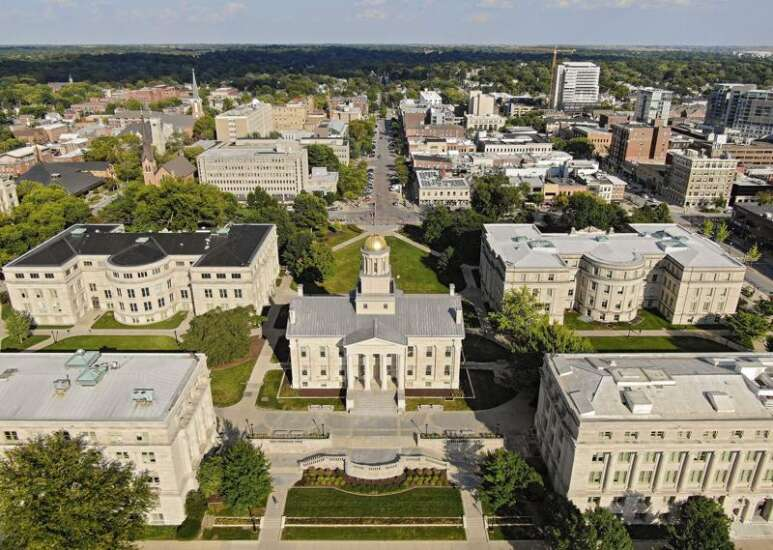 University of Iowa reports hundreds of COVID-19 complaints, as police respond to house parties