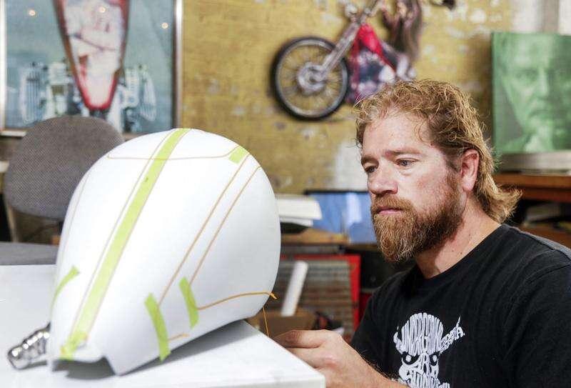 Cedar Rapids airbrush artist has more ideas than he can ever use