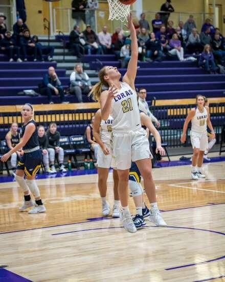 Kari Fitzpatrick, Marissa Schroeder help Loras women's basketball to best start in program history