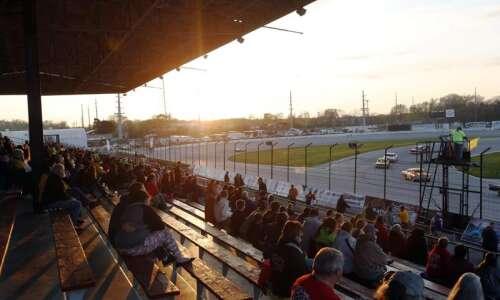 Hawkeye Downs honoring past auto racing stars Friday