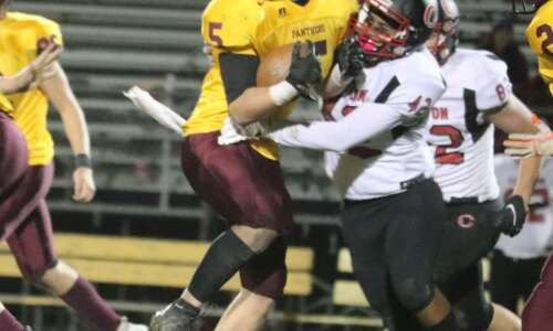 Clinton passing game too much for Mt. Pleasant