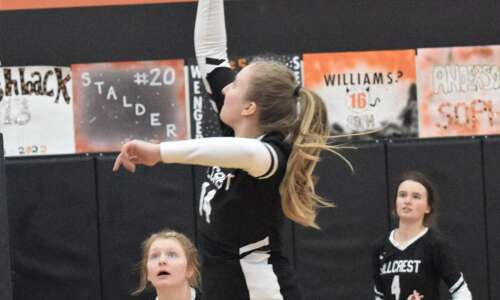 Hillcrest loses 1A volleyball to HLV