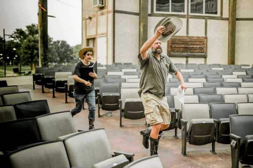 Riverside Theatre putting Nashville spin on Shakespeare