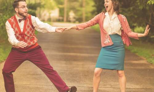 Theatre Cedar Rapids' 'Bright Star' shines at Brucemore