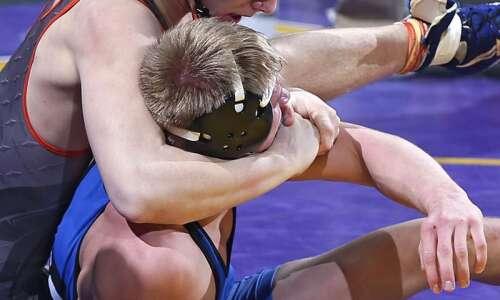 Solon, New Hampton battle for Class 2A state wrestling title