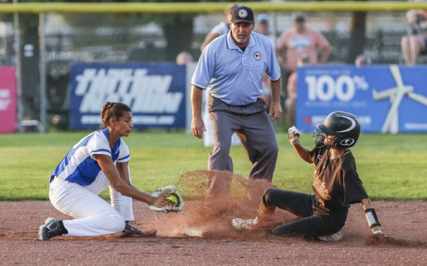 Atlantic stuns Anamosa with 11th-inning rally in state softball quarterfinals
