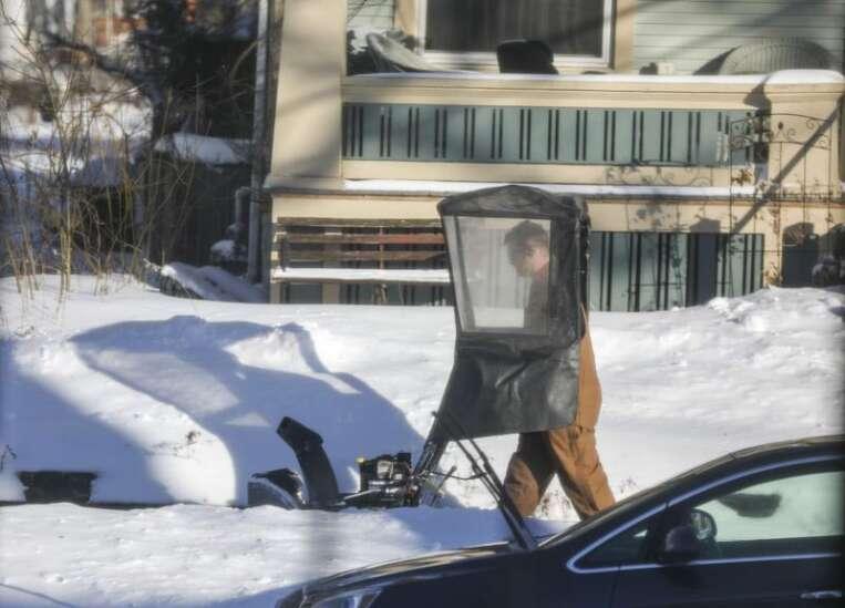Unable to clear snow? Cedar Rapids' Snow Buddies program could help