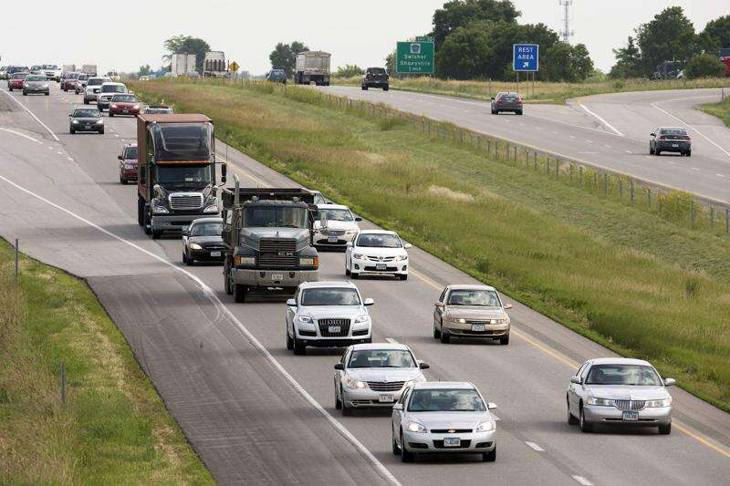 Branstad considers Iowa transportation funding workable