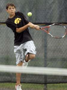 C.R.'s Hammond storms to a singles title (VIDEO)