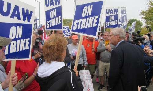 U.S. ag secretary lends support to striking Deere workers