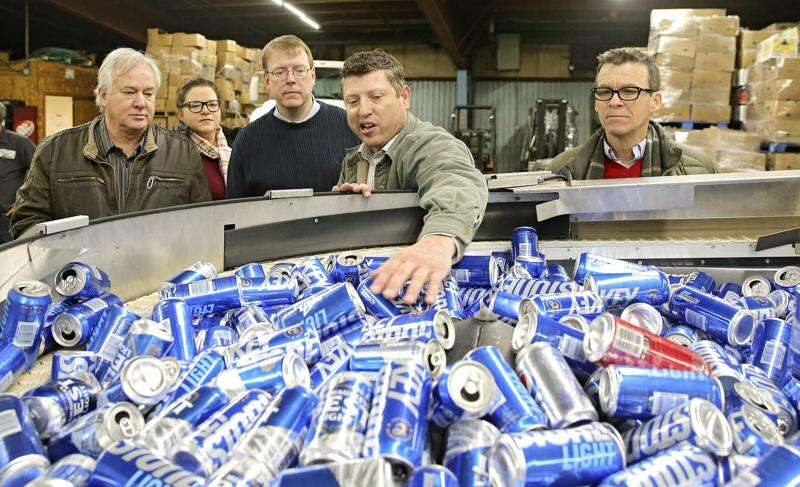 Recyclers urge Iowa DNR to reject bottle bill changes sought by grocers
