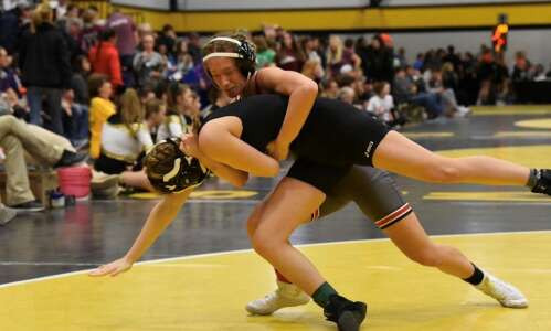 UI students behind Title IX lawsuit react to women's wrestling…